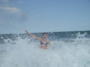 amandoo in the waves